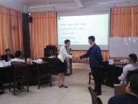 肖珂老师4月3期(8-9日、15-16日、22-23日)为燕山钢铁讲授《国际商务礼仪》课程