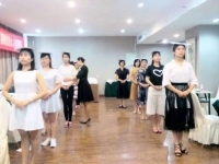 肖珂老师7月7日为四川中国移动讲授《极致优雅女人修炼技巧》课程